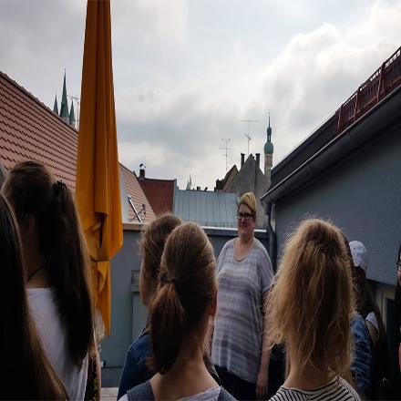 Ursulinenrealschule besucht St. Hildegard
